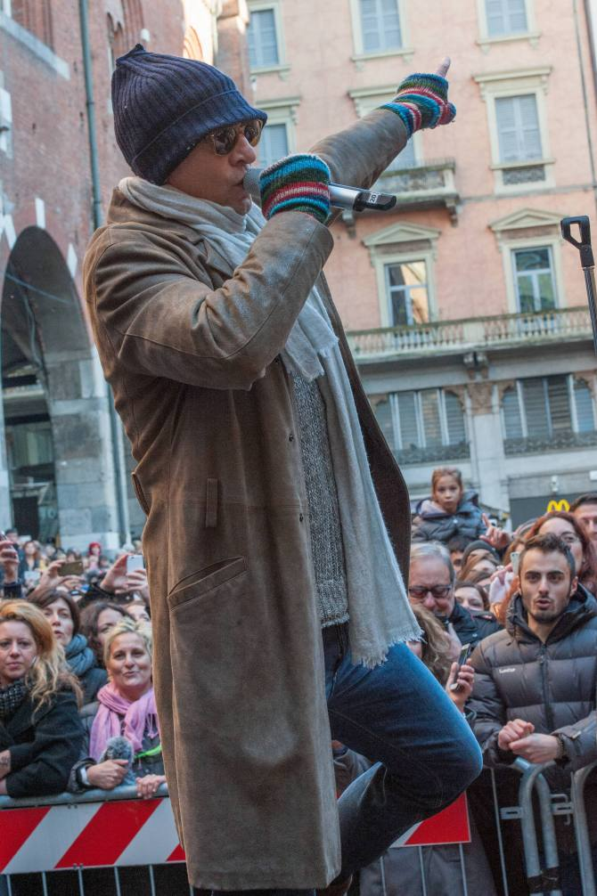 Nuovo_biagio antonacci piazza dei mercanti 2014 013