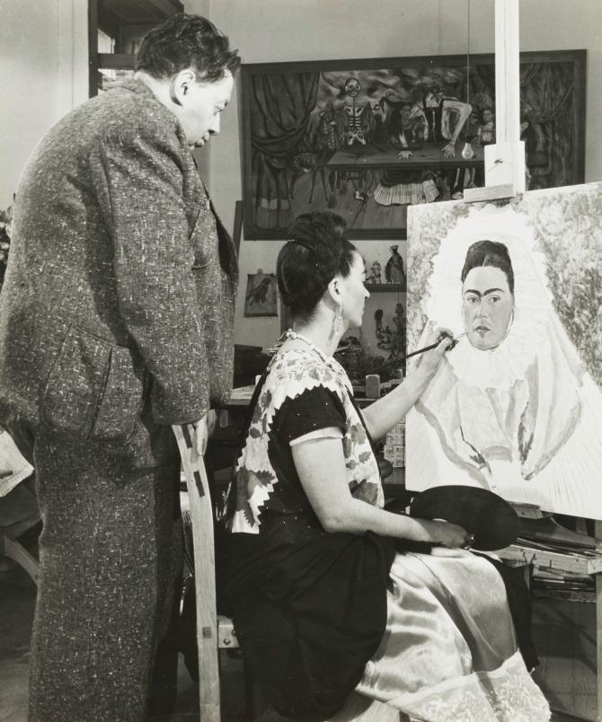 Bernard Silberstein (1905–1999), United States, Diego Rivera Watching Frida Kahlo Paint a Self Portrait, circa 1940, gelatin silver print, Cincinnati Art Museum� Gift of the Artist, 1986.570, © Edward B. Silberstein.jpeg